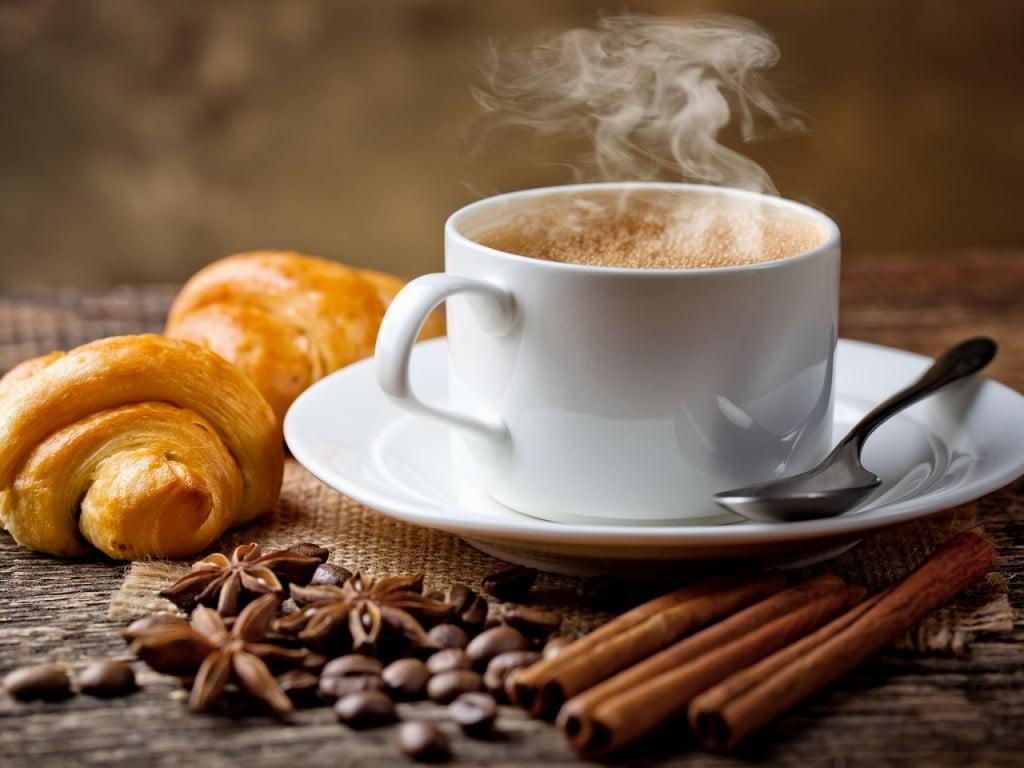 За кафе маниаците
